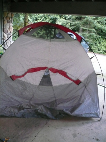 Tent with vents